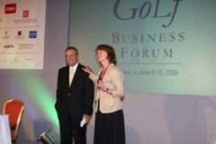 Gary Player with moderator Gill Wilson at the KPMG Golf Business Forum in 2006