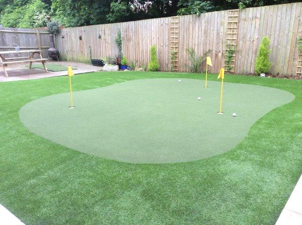 Melissa Reid chooses Huxley Golf 2