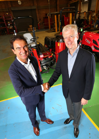 Gerrit van der Scheer, CEO of Royal Reesink (left) shakes hands on the acquisition of Lely Turfcare with CEO of Lely Holding Alexander van der Lely