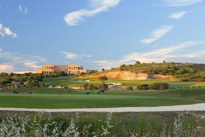 he Amendoeira Golf Resort clubhouse.