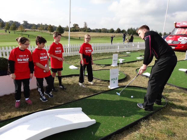 Golf Foundation RDO Ian Harvey with pupils from Maple Cross
