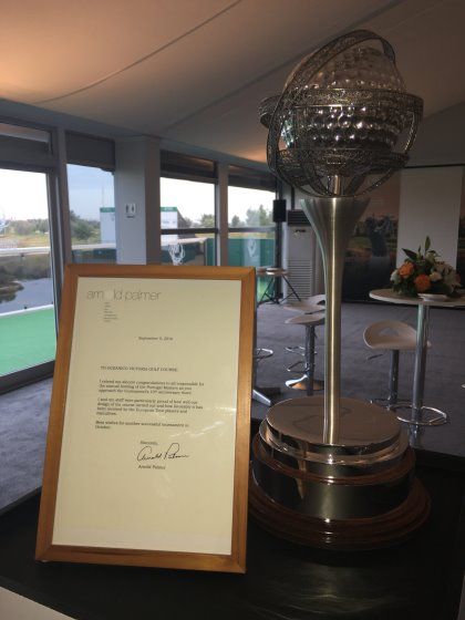 Letter of congratulations from Arnold Palmer, next to the Portugal Masters trophy
