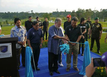 His Majesty Sultan Ibrahim officially launches The Els Club Desaru Coast - Ocean Course with ribbon cutting ceremony