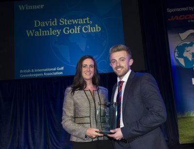 David Stewart receives his award from Karen Proctor of Ransomes Jacobsen