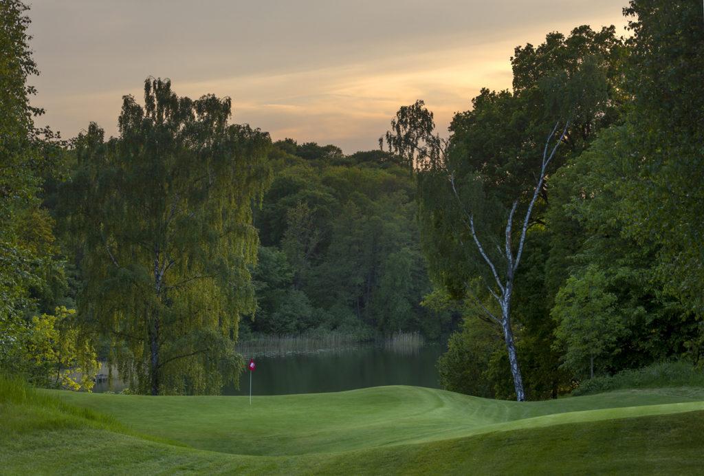Modry Las Golf Club, Ori Las